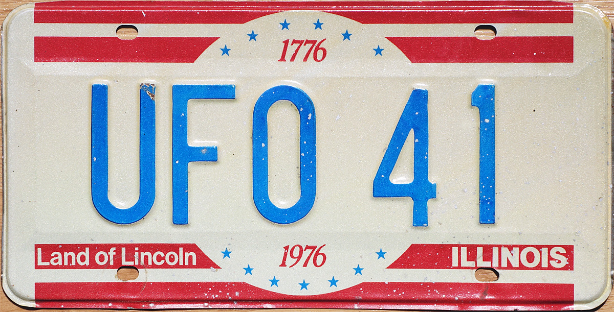 The ALPCA archive does not mention Illinois vanity plates for 1976.  However, it does mention special numbers being issued to certain fund  contributors
