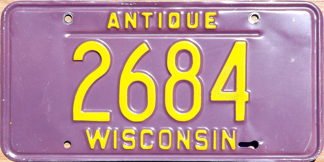Antique auto license plate issued in Wisconsin from 1972 through 1977. & wiantique.jpg