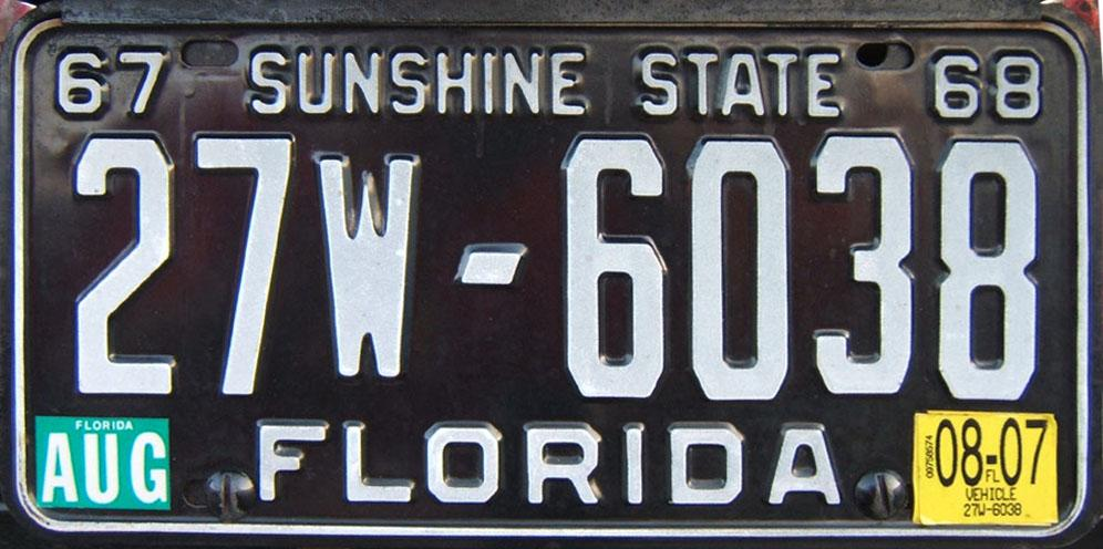 August 2008 expiration on Florida Antique Vehicle license plate. Current (July 2007) Florida Horseless Carriage license plate & Florida 2