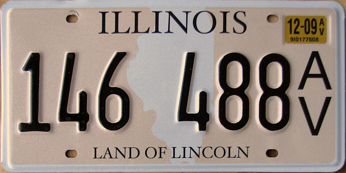 December 2014 expiration on Illinois antique vehicle vanity plate seen in use at the North American MGA owners Annual reunion held in Ottawa ... & Illinois 4 Y2K